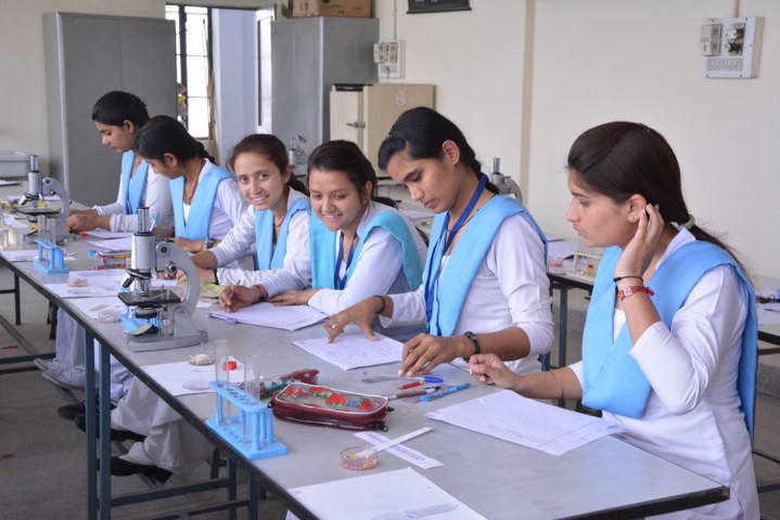 Botany, Zoology & Microbiology Laboratory | S S D P C  Girls